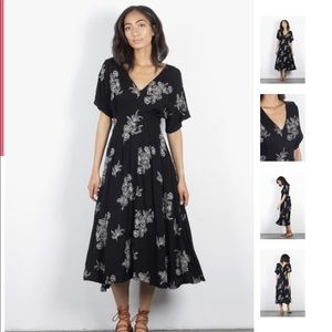 Mod Ref Black and White Floral Midi Dress - MED